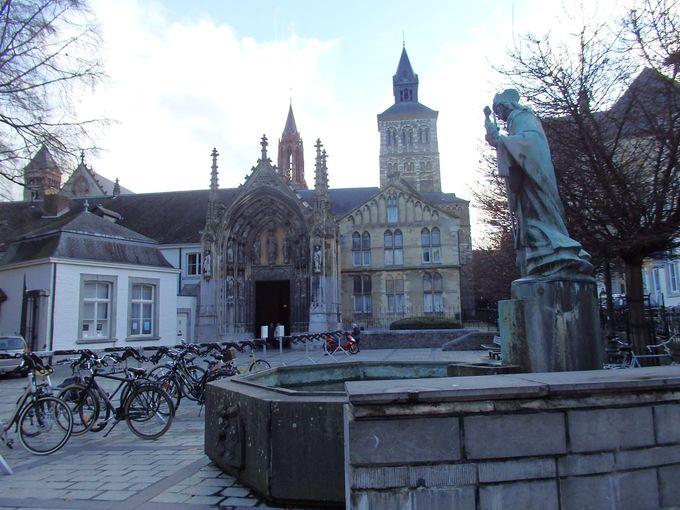 オランダ最古の一つ「聖セルファース教会」