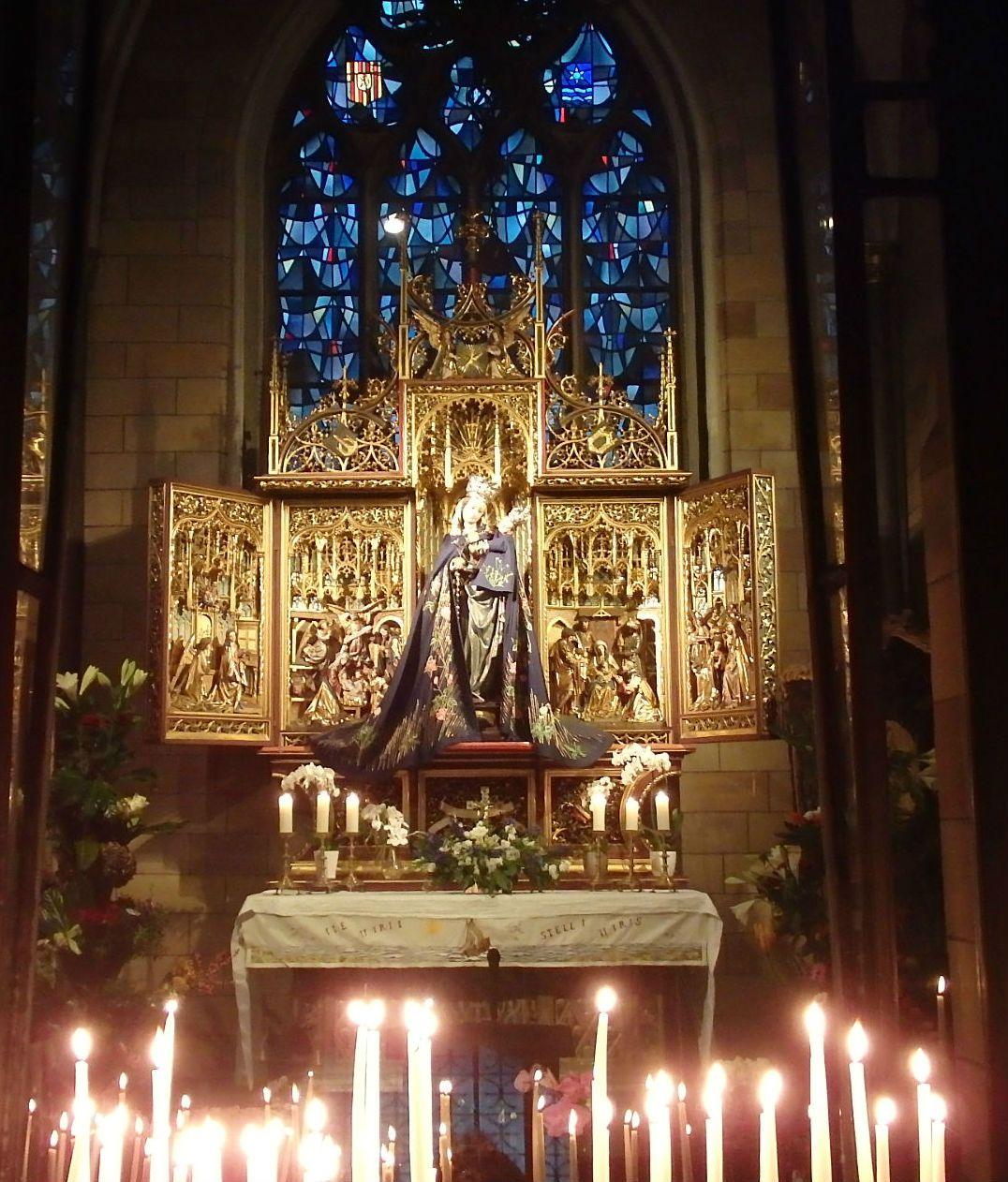 ユニークな教会「聖母マリア教会」