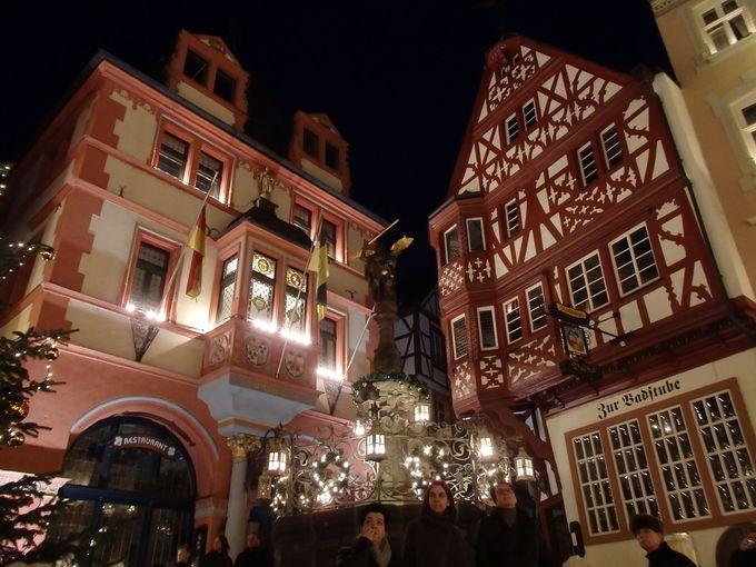中世の町並みが広がるベルンカステルと、歴史もある近代的なクース