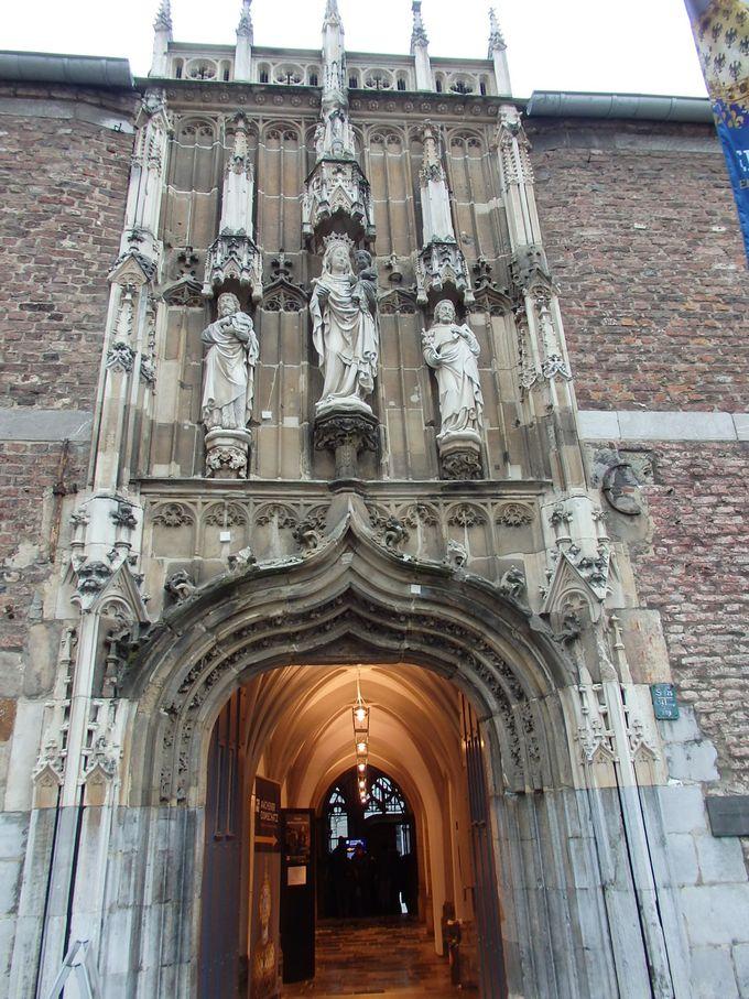 2.アーヘン大聖堂の宝物館