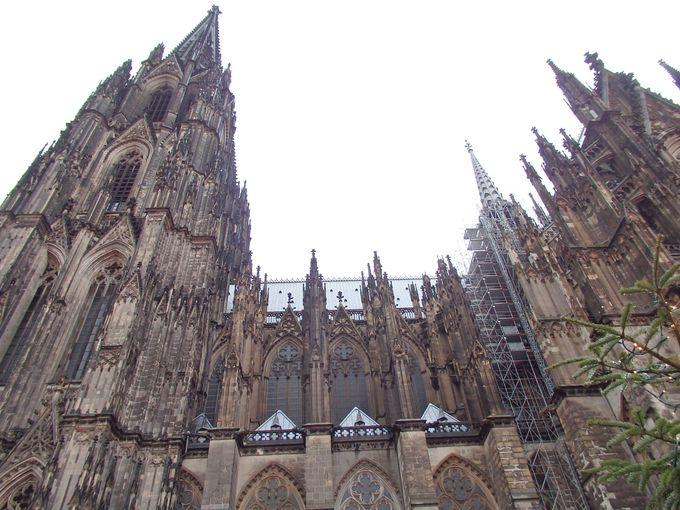 世界に誇る大聖堂を中心とした文化都市ケルン