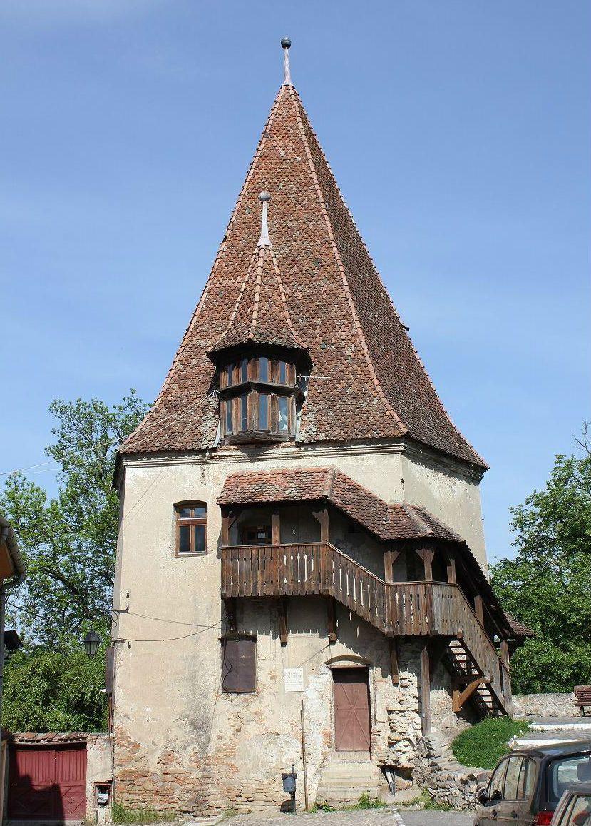 城塞都市の名残り!現存する9つの塔