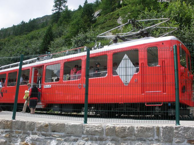 歴史ある「モンタンヴェール登山電車」