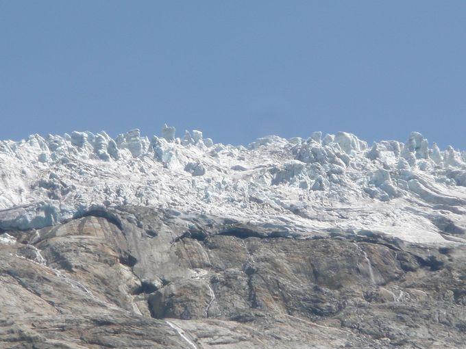 帰りはトゥール氷河を眺めながらル・トゥールへ