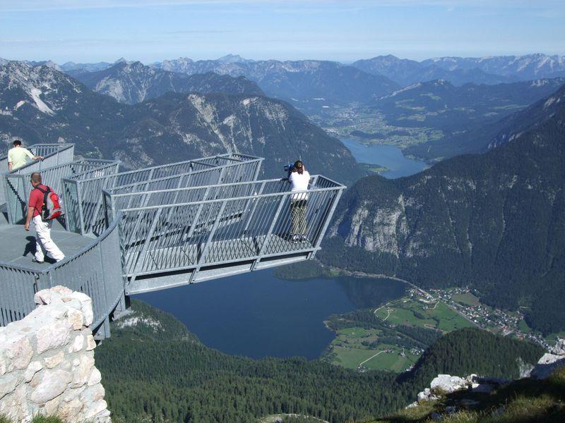 崖っぷち!オーストリア「ファイブ・フィンガーズ展望橋」から絶景を!