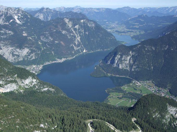 ハルシュタット湖を見渡す絶景をタップリと!
