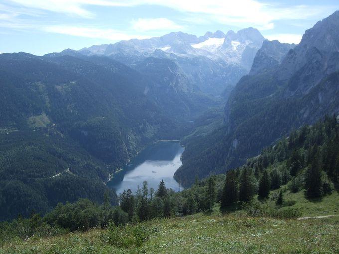 絶景を楽しめる山上ハイキング