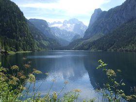 オーストリア・ハルシュタット近郊のゴーザウ湖で湖畔&山上ハイキング