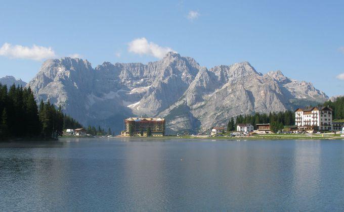 神秘の湖「ソラピス湖」へは、コルチナ・ダンペッツォから