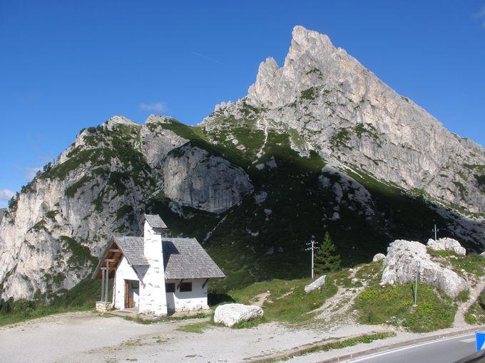 コルチナ・ダンペッツォからファルツァレーゴ峠へ