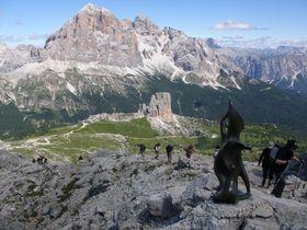 北伊ドロミテ渓谷で訪れるファルツァレーゴ峠!絶景とハイキングを楽しもう