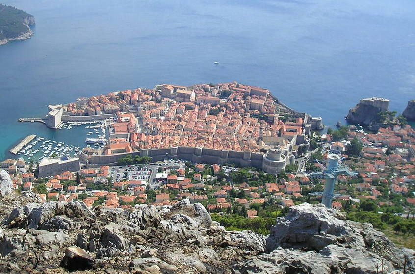 危機遺産を乗り越えたクロアチア・ドブロヴニク旧市街の観光スポット