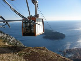 クロアチアの世界遺産ドブロヴニクを見渡す絶景!スルジ山へ登ろう