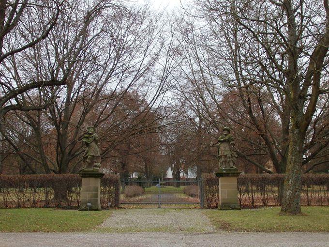 ヴェルサイユ宮殿の庭園をモデルにした庭園