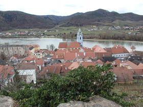 オーストリアの景勝地「ヴァッハウ渓谷」で訪れたい町3選