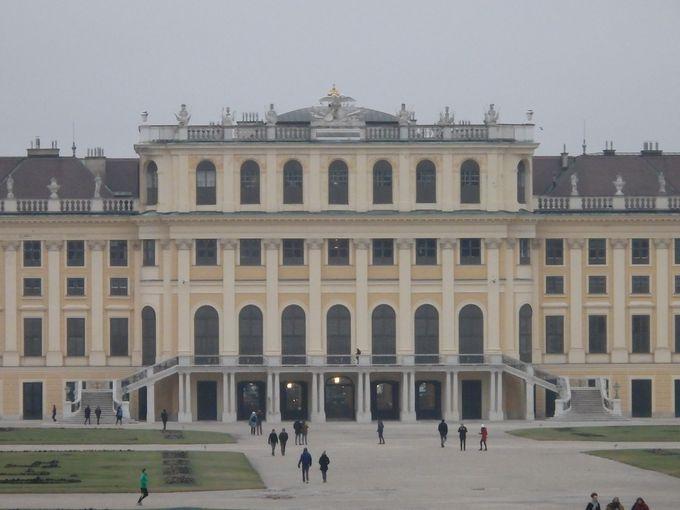 最も人気を誇るウィーンの世界遺産「シェーンブルン宮殿」