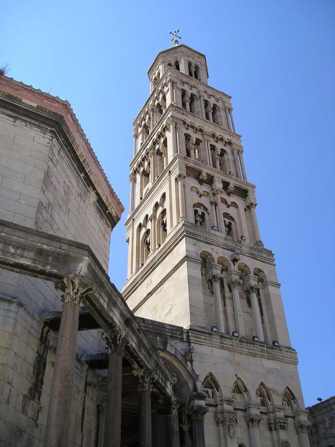 鐘楼からの眺めが絶景!聖ドムニウス大聖堂
