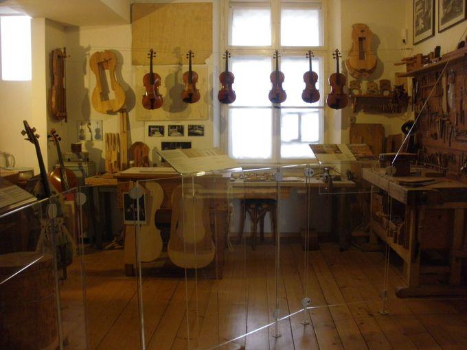 古楽器の展示や歴史も学べます
