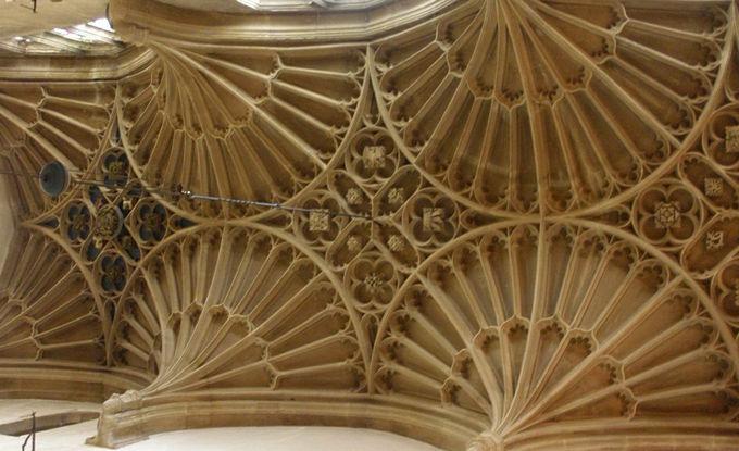 コッツウォルズの大聖堂「バリッシュ・チャーチ」