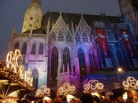 オーストリア首都ウィーン市内で楽しむクリスマスマーケット