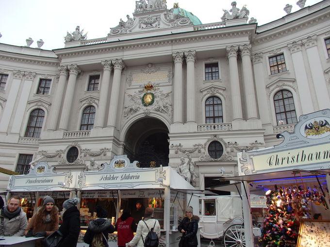 王宮前ミヒェル広場のクリスマスマーケット