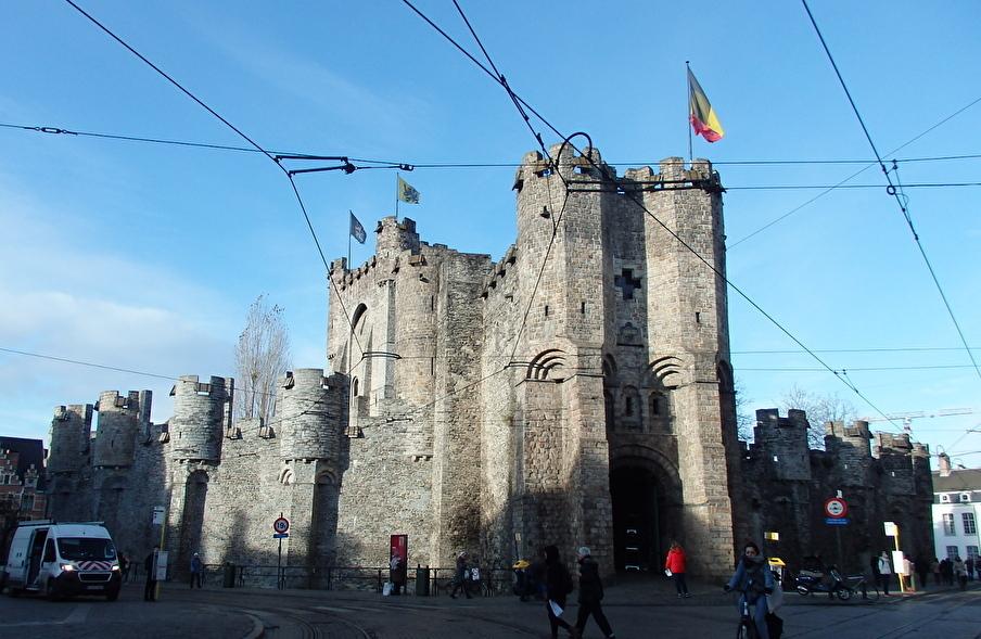 中世の雰囲気に浸れるフランドル伯の居城