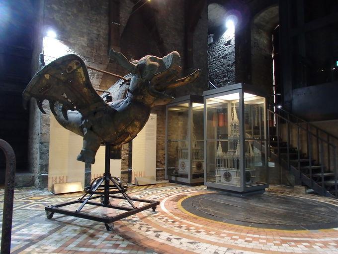 塔の途中の階でも見られる展示