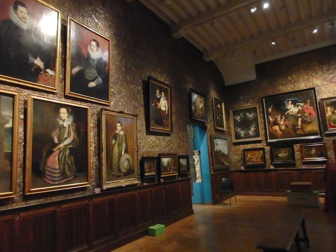 マイエル・ヴァン・デン・ベルグ美術館