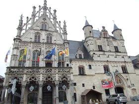 お城のような市庁舎!ベルギー「メッヘレン」でメルヘン散歩