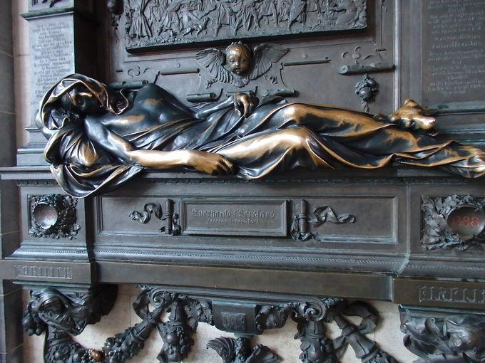 ブラバン公爵の館やセルクラースの像も