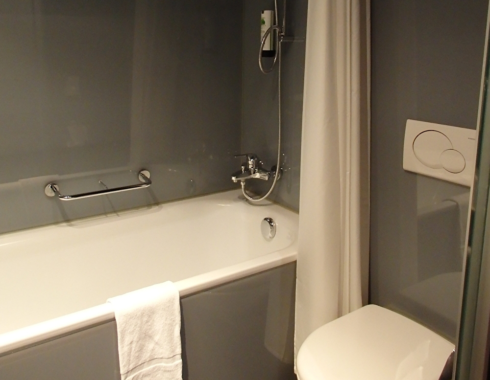 清潔で使い勝手の良いバスルーム