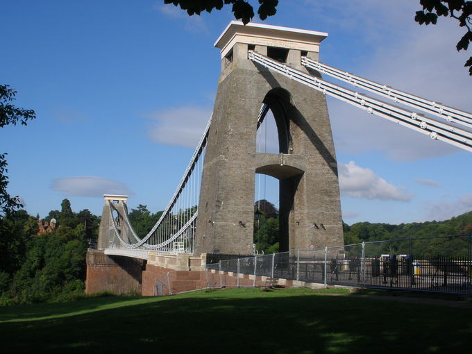 ブリストルのシンボル「クリフトン吊り橋」