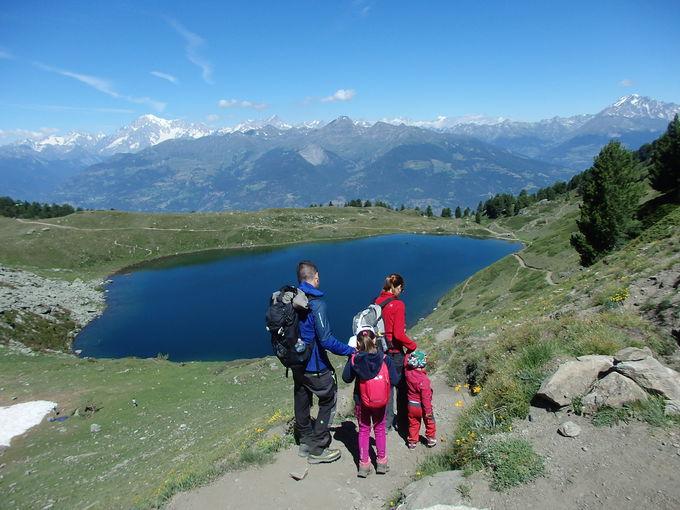 シャモーレ湖で一周ハイキング