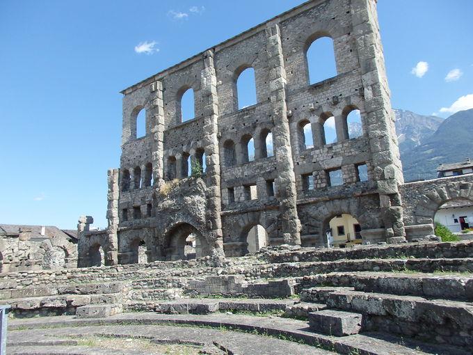 北イタリアにローマあり!「アオスタ」の町並み