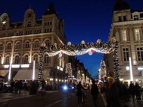 壮麗な市庁舎がシンボル!ベルギー「ルーヴェン」のクリスマスマーケット