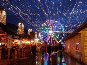 グルメ屋台が大人気!ベルギー「リエージュ」のクリスマスマーケット