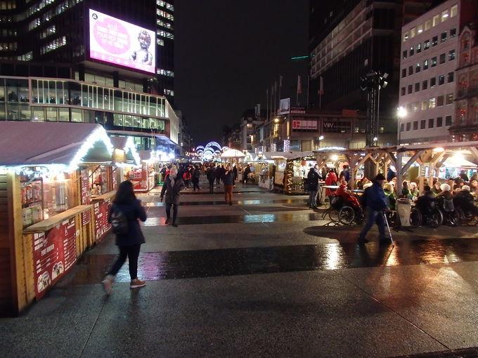 ブルッケール広場のクリスマスマーケット