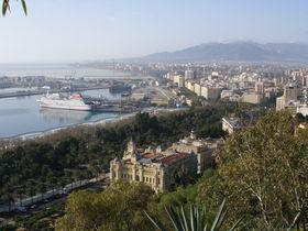 南国ムードの「マラガ」スペインのコスタ・デル・ソル中心地の見所