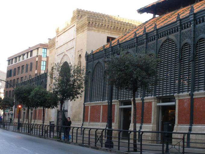 市民の台所「アタラサナス中央市場」