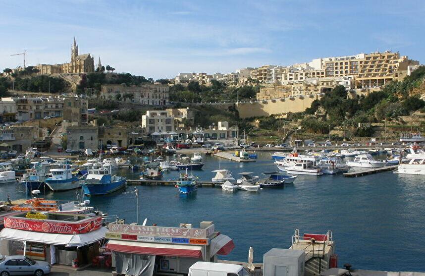 マルタ共和国第2の島「ゴゾ島」長閑な風景の中で浸る歴史と町並み