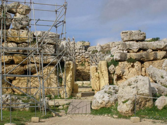 巨人女性崇拝の発祥地「ジュガンティーヤ神殿」