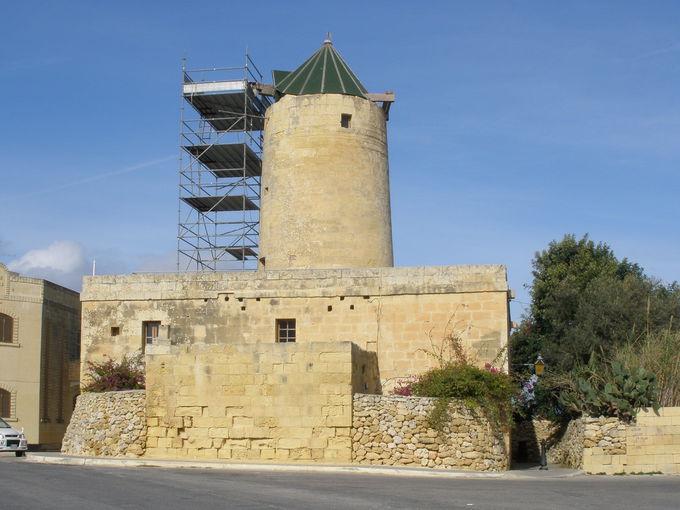 神殿の町「シャーラ」と「タコラ風車」