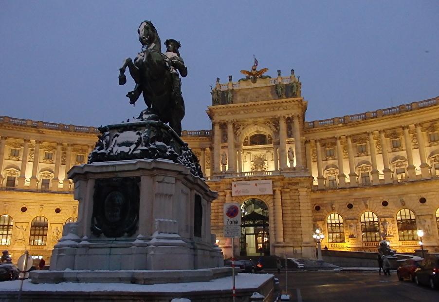 ハプスブルク家の栄華の象徴「王宮」!代々の住居だった宮殿