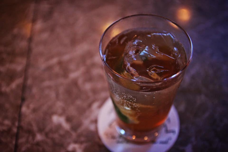 豊富なお酒の種類とこだわったカクテル。