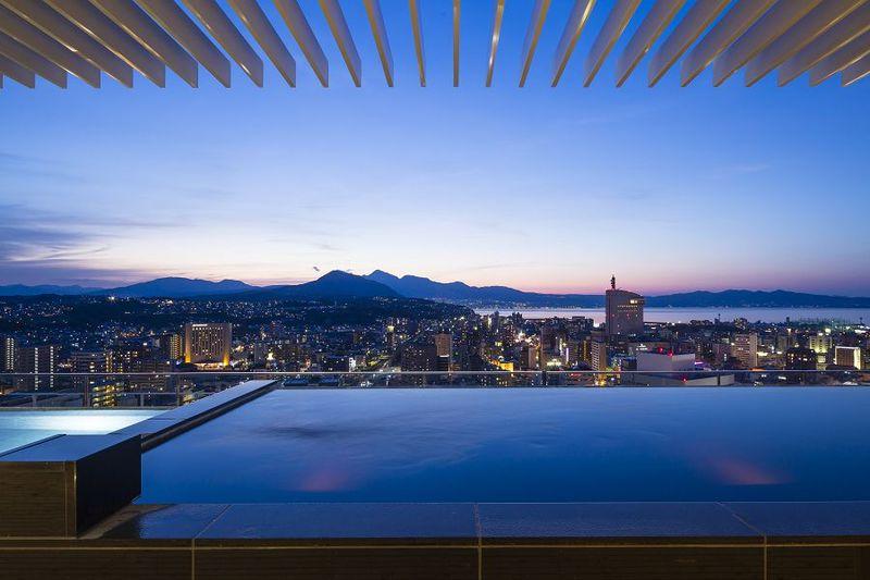 大分駅直結! 温もり溢れる「JR九州ホテル ブラッサム大分」で極楽温泉ステイ