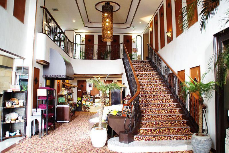 伊豆・一碧湖エリアに佇む「アンダ別邸 伊豆一碧湖」は注目のバリ風リゾートホテル