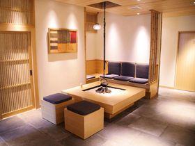 寿司とBar2つのカウンター!?東京「ホテルバー グランティオス別邸」