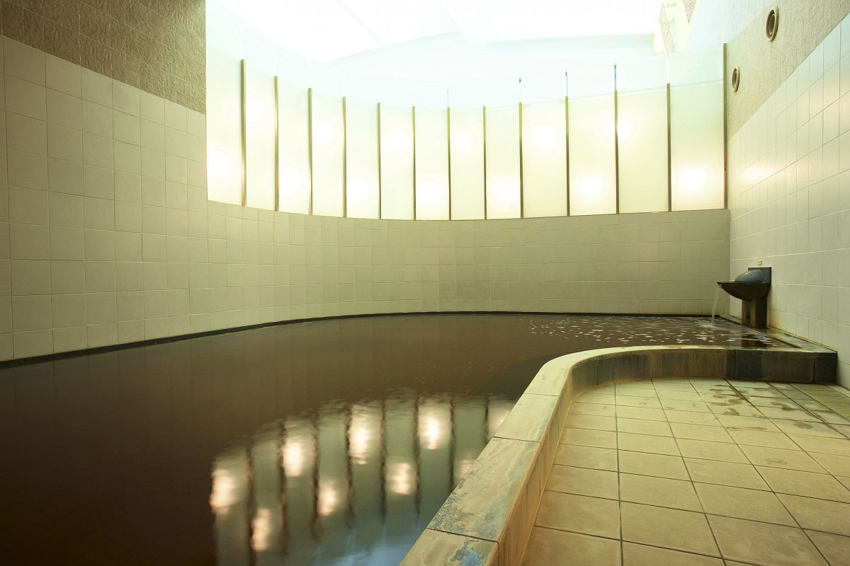 圧巻の天然温泉大浴場