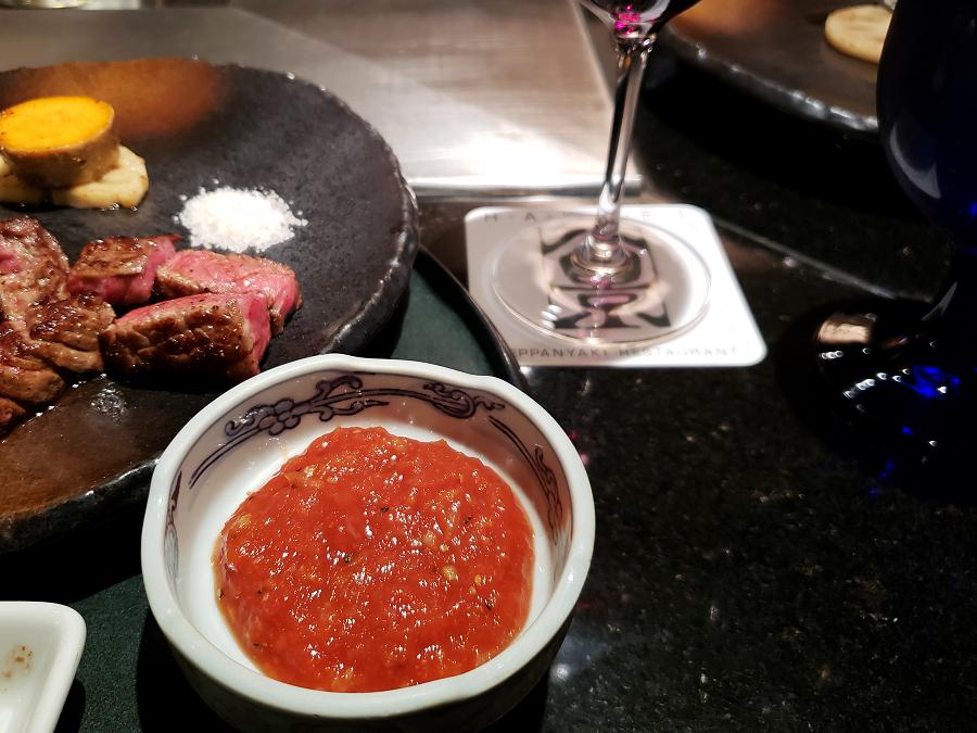 ホテルご自慢の鉄板焼きレストラン