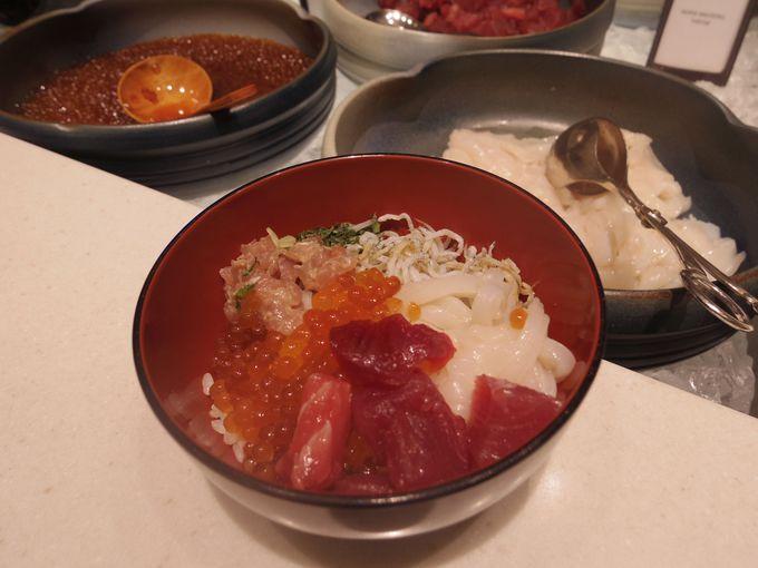 朝食ブッフェでセルフ海鮮丼を作ろう!